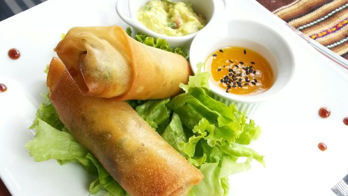 What Is a Simple Recipe for Filipino Lumpia?