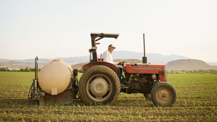 How Do You Search for Old and Used Tractors for Sale?