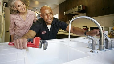 When Do You Need to Call a Plumber?