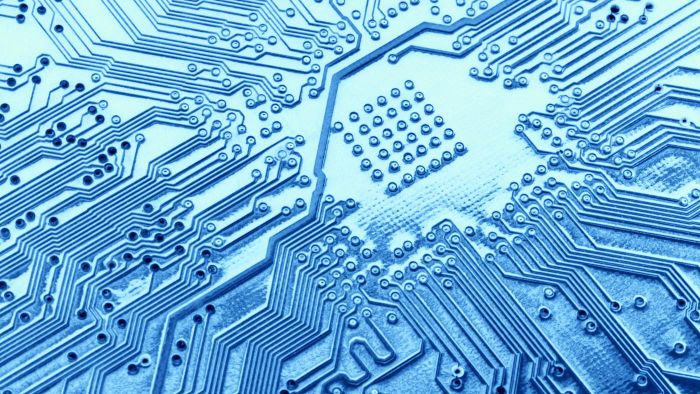 How do programmable integrated circuits work?