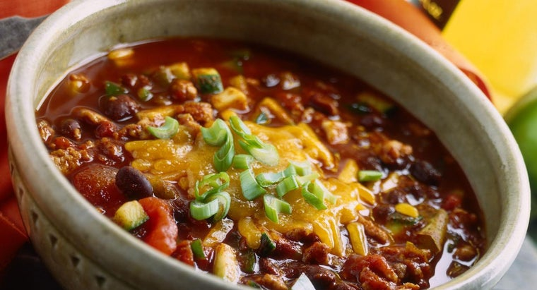 Where Can You Find an Easy Chili Recipe That Uses White Beans and Fennel?