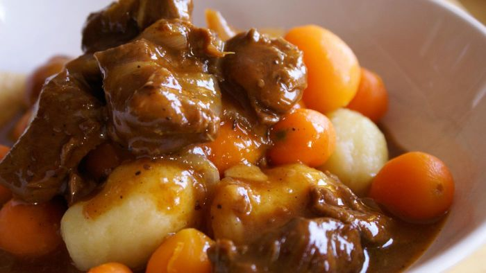 What Are Some Easy Recipes for Beef Stew?