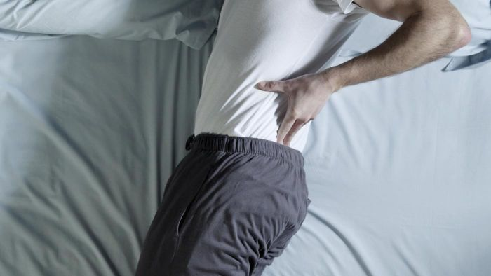 What Are the Usual Causes of Pain in the Middle Back?
