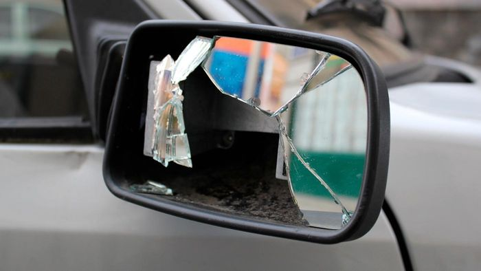 How Do You Repair Your Passenger Side Mirror?
