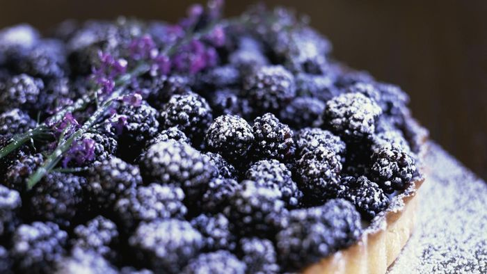 What Are Some Easy-to-Follow Recipes That Include Blackberries?