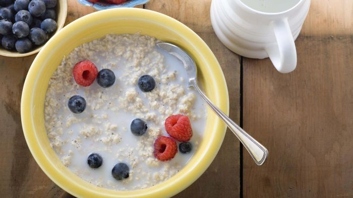 What Is a Good Daily Breakfast for Diabetics Who Love Carbs?