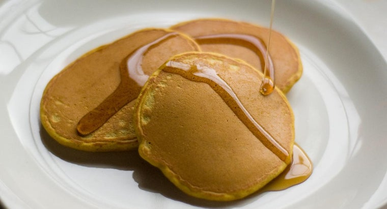 How Do You Make Easy Pancakes From Scratch?