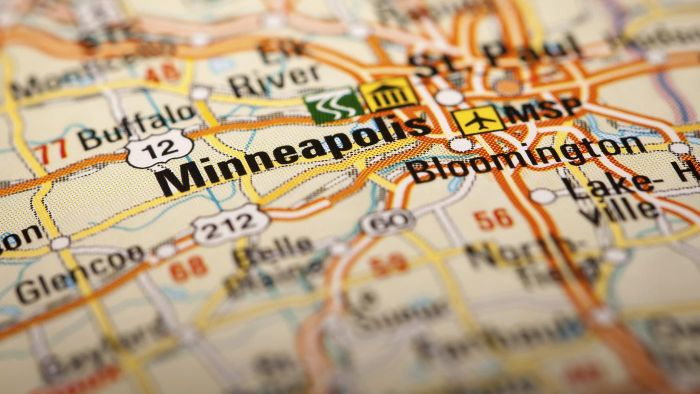 Where Is the Outlet Mall Located in Eagan, Minnesota?