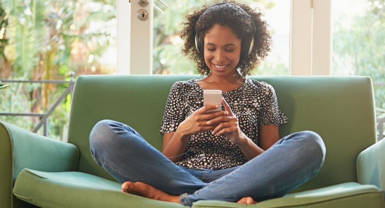 How Do You Transfer Music to Your Cell Phone?