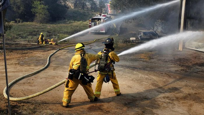 What Is the Average Income for a Fireman?
