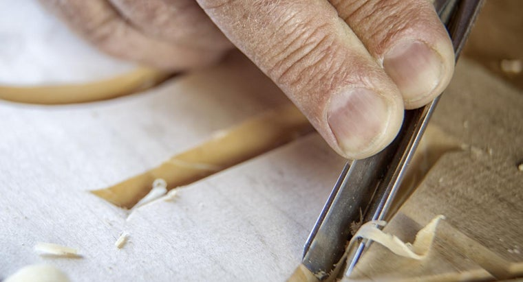 What Are Some Good Wood Craft Kits for Adults?