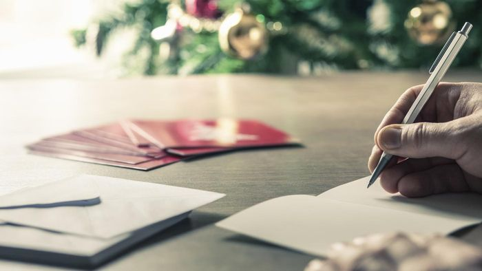 How Can You Design Your Own Christmas Cards?