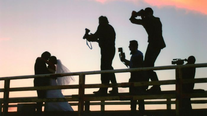 What Are Some Creative Wedding Photograph Ideas?