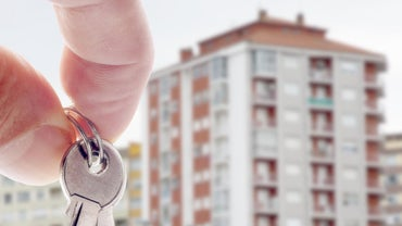 What Are the Steps for Renting a Condo?