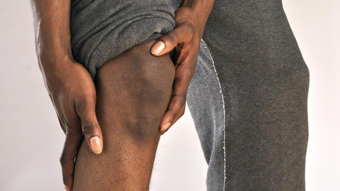What Are the Signs of a Torn Knee Ligament?