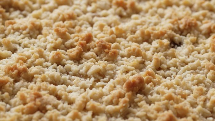 What Are Some Ideas for Good Crumb Toppings?
