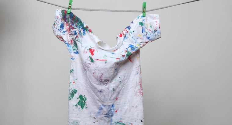 What Is the Best Way to Remove Fresh Water-Based Paint Stains From Clothing?