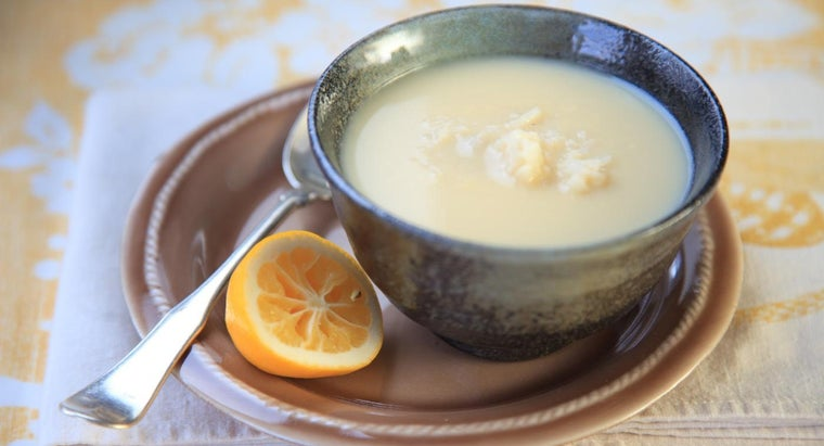 What Are Some Easy Recipes for Greek Lemon Soup?