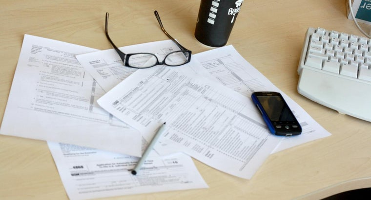 How Do You Calculate Federal Income Tax Exemptions?
