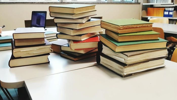 Do Most Textbooks Provide Study Questions and Answers?