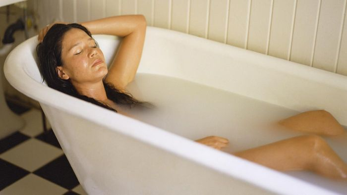 Does Soaking in Epsom Salts Really Help Swollen Feet and Ankles?