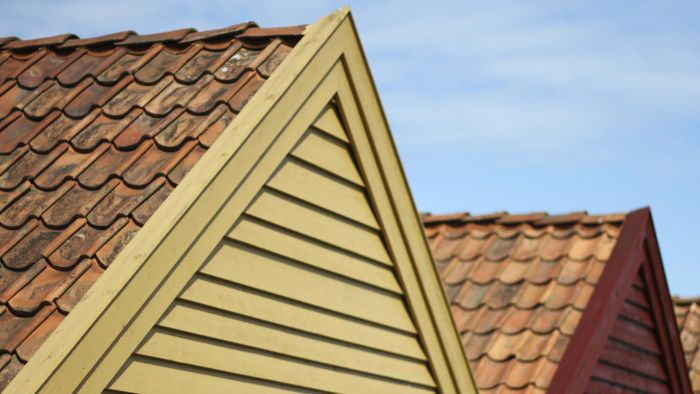 What Is the Cost Per Square for Different Types of Roof Shingles?