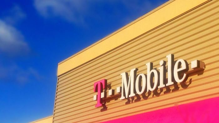 How Do T-Mobile Plans and Rates Compare With Those of Verizon Wireless?