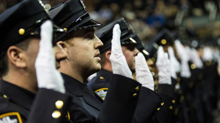 What Are Some Tips for Applying to the Police Academy?