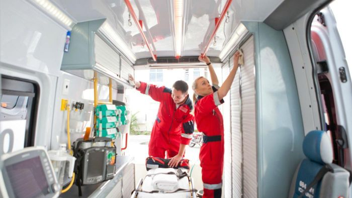 What Is the Typical Salary of an EMT Technician?