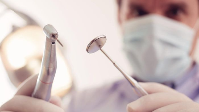 Which Dentists Open on a Sunday in Los Angeles?