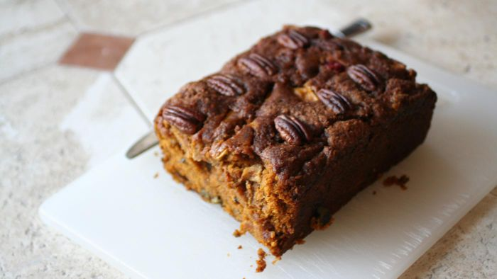 What Is a Good Recipe for Date Nut Bread?