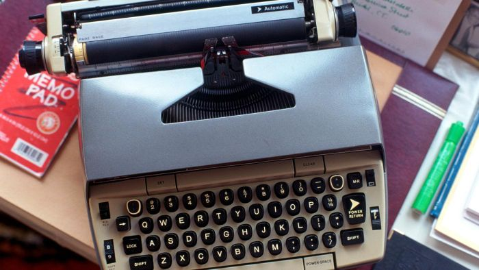 How Do You Appraise the Value of an Old Typewriter?