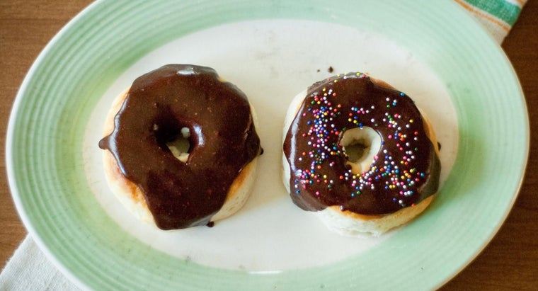 What Is an Easy Chocolate Glaze Recipe?