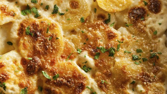 What Is a Recipe for Classic Scalloped Potatoes?
