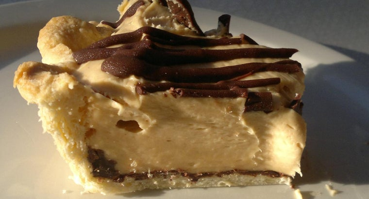 What Is the Recipe for Paula Deen's Peanut Butter Pie?