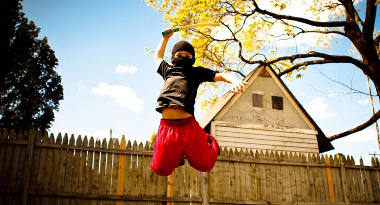 What Are Some Non-Violent Online Ninja Games That Are Safe for Children?