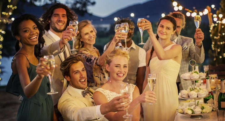What Is an Example of a Short but Funny Wedding Toast?