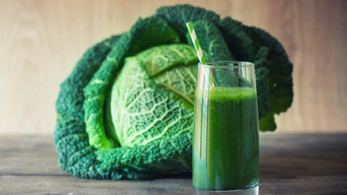 How Safe Is Raw Cabbage Juice to Consume?