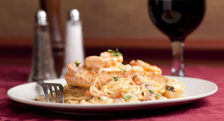 What Type of Wine Is Ideal With Pasta and Scallops?