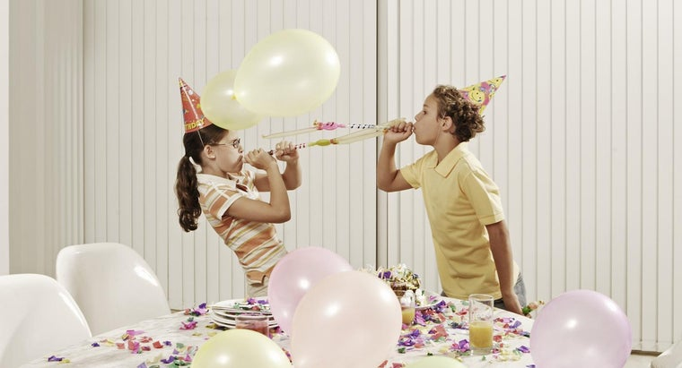 What Are Some Funny Birthday Cards to Give to Your Brother?