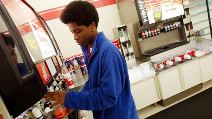 How Do You Operate a 7-Eleven Slurpee Machine?