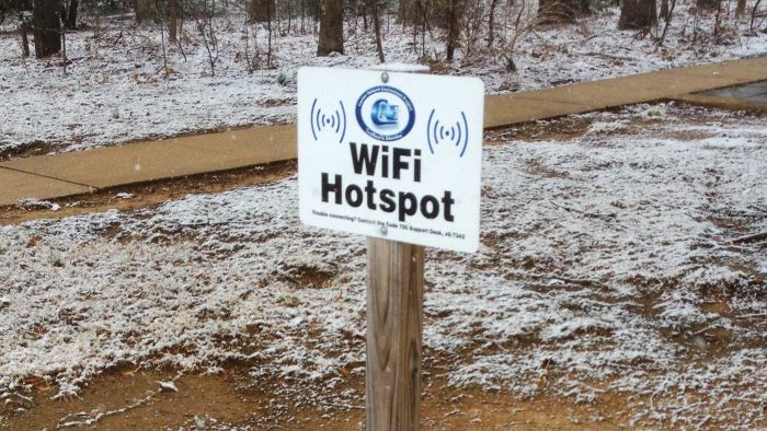 How Do You Find Wi-Fi Hotspots in Your City?