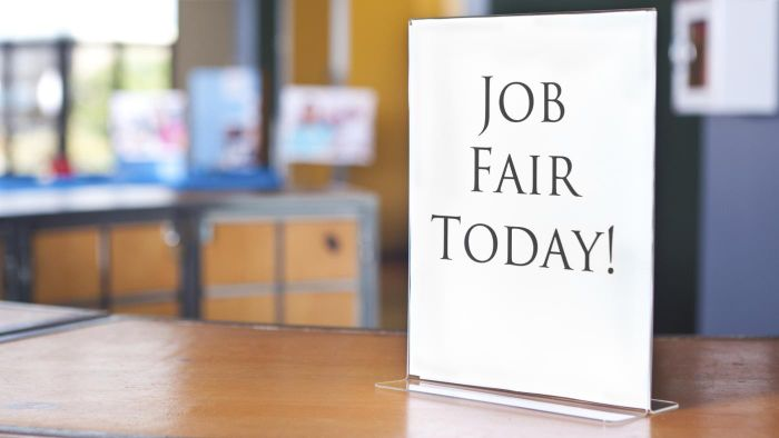 How Do You Find Job Fairs in Your Local Area?