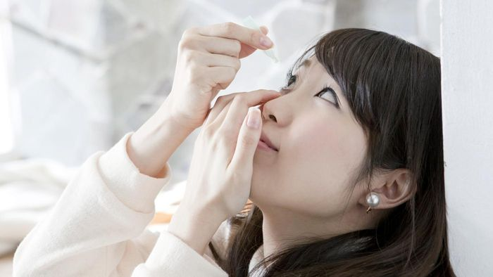 How Do You Live With Chronic Dry Eyes?