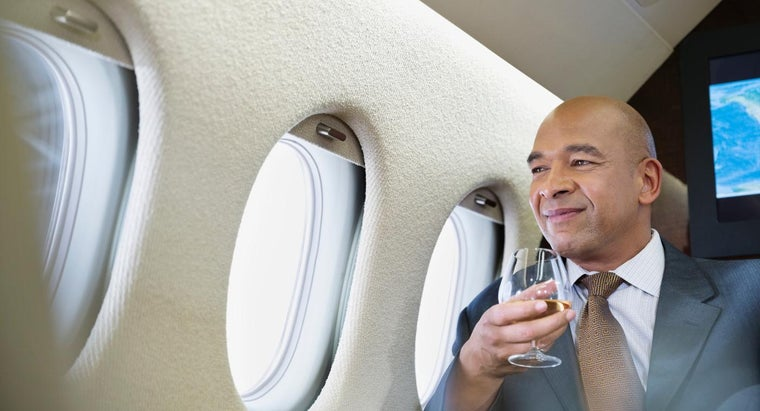 What Are Some Luxury Airlines?