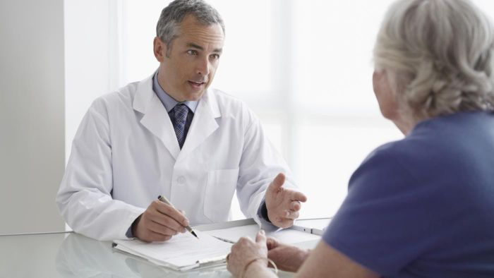 What is the difference between a Medicare PPO and HMO?