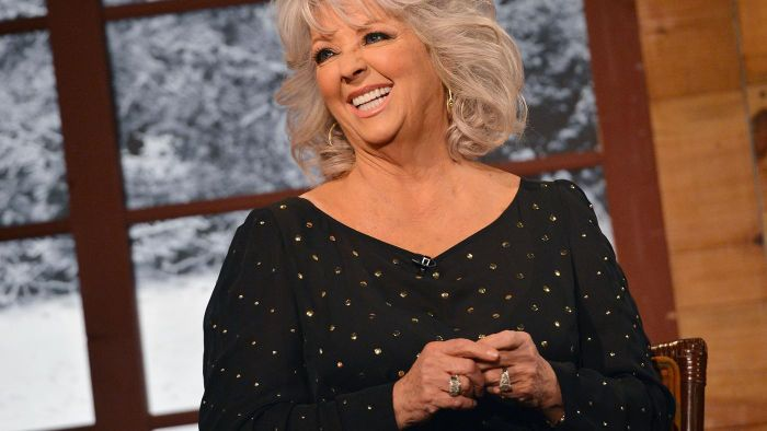 How many Weight Watchers points are in Paula Deen's seven-layer salad?
