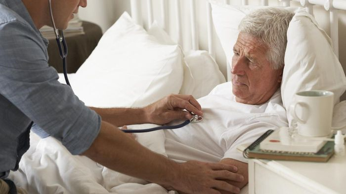 What Is the Difference Between Hospice Home Care and Home Health Care?