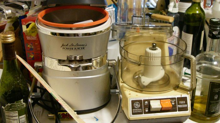 What Is a Retro Kitchen Appliance Store?