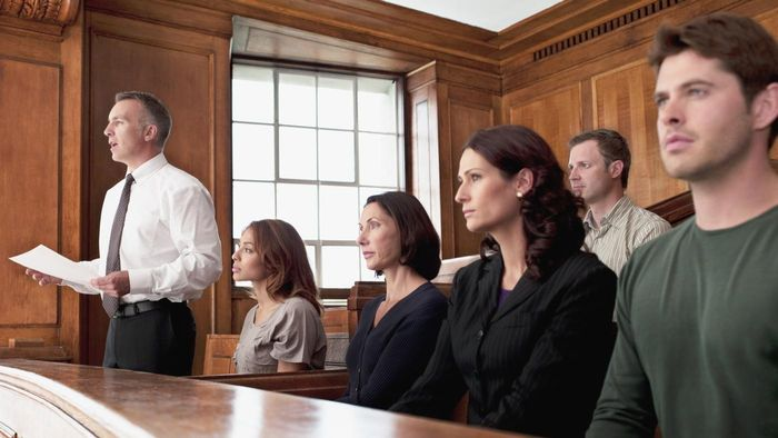 What Is a Petit Juror?